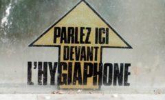 Parler dans l'hygiaphone