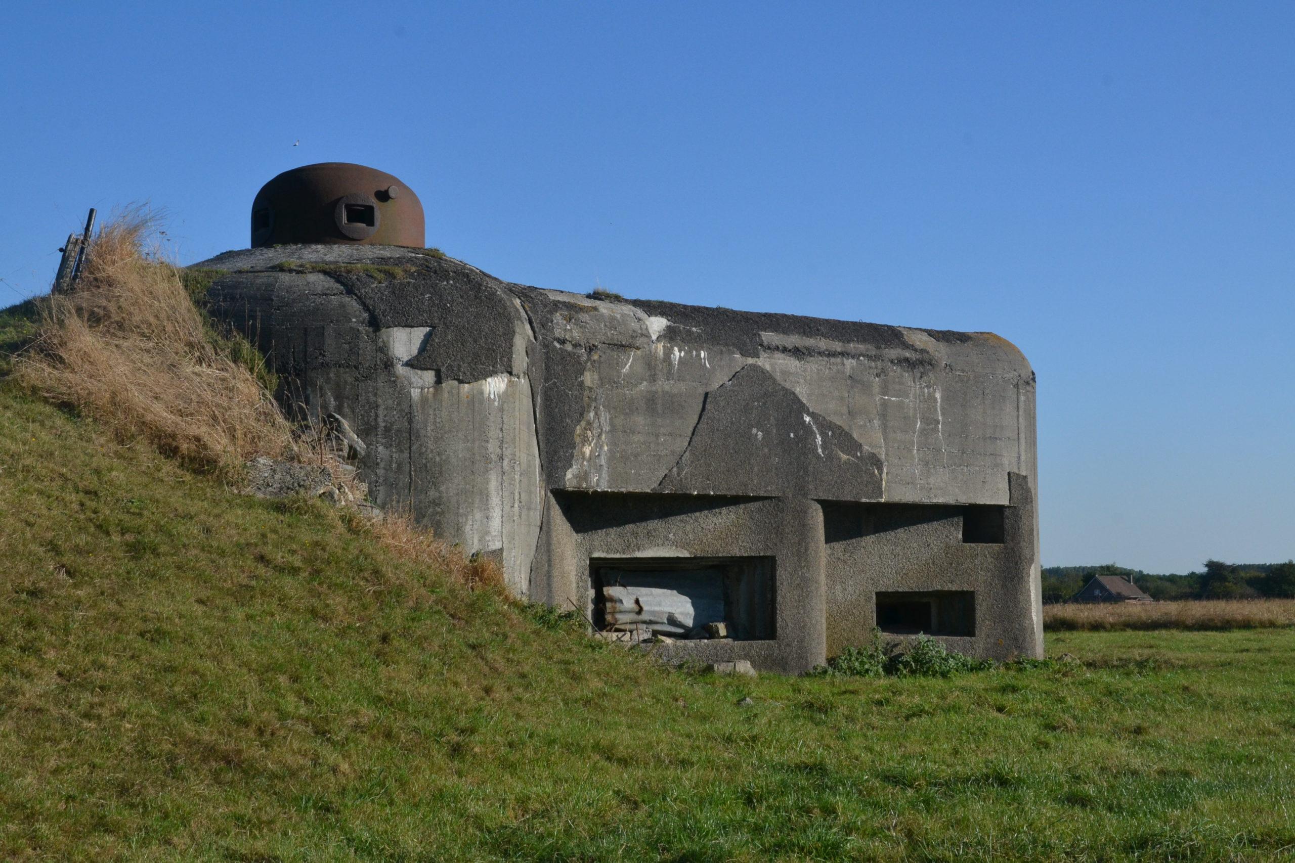 Casemate de la ligne Maginot près de Maulde (Nord, France).