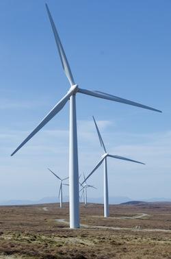 Farr Wind Farm ⓒ Steve Abraham – Creative Common Attribution-ShareAlike 2.0 Generic (CC BY-SA 2.0)