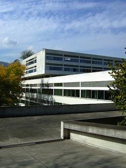 Kantonsschule Enge – ⓒ Marco Zanoli Creative Commons