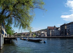 View of Zürich from the Limmat – © wikicommon