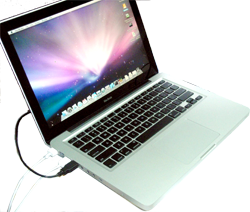 Unibody Macbook – ⓒ Diego Park Creative Commons