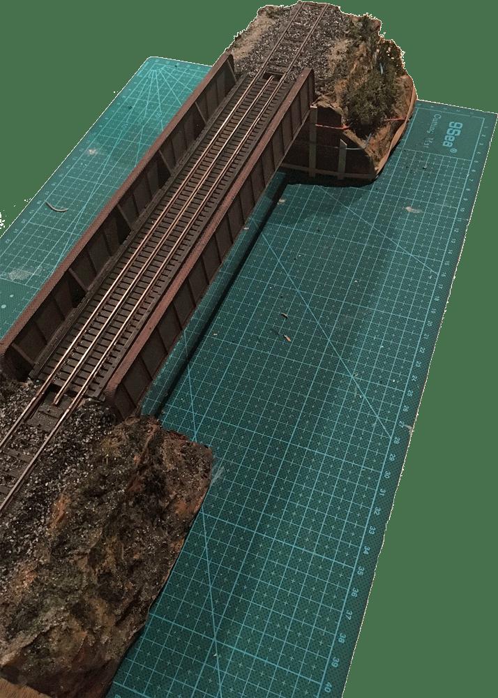 Kit «Plate Girder Bridge» Central Valley avec deux morceaux de voie C Märklin
