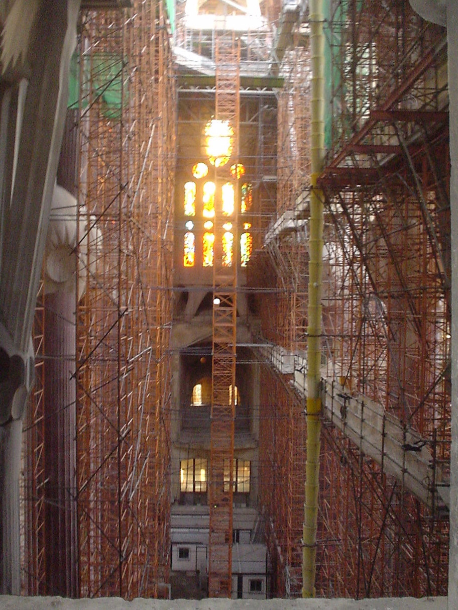 Sagrade Familia – View of the Nef under construction in 2002